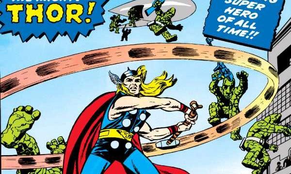 """Dzięki dobrodziejstwom cyfryzacji, pierwszy historyczny występ marvelowskiej inkarnacji Thora na kartach 83. numeru serii """"Journey into Mystery"""" zsierpnia 1962 roku jest dziś dostępny do darmowego pobrania zwitryny wirtualnego sklepu """"Marvel Comics"""", zlokalizowanego na mobilnych platformach Apple Appstore iGoogle Play. Gdyby nie Thor ijego niecny braciszek Loki czołowi superbohaterowie Marvela prawdopodobnie nigdy nie znaleźliby dobrego pretekstu, aby zebrać się pod szyldem """"Mścicieli"""" – najpotężniejszej inajbardziej dochodowej grupy superherosów whistorii komiksu. Wzasobach tabletowej biblioteki Marvela na urządzenia zsystemem Android iiOs znajdziemy zdigitalizowaną (ispecjalnie podkolorowaną) wersję ich pierwszego spotkania ipojedynku zbożkiem intryg – pierwszego numeru serii """"The Avengers"""" zwrześnia 1963 roku."""