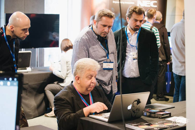 Aleksy Pawluczuk tłumaczy tajniki oprogramowania Corel