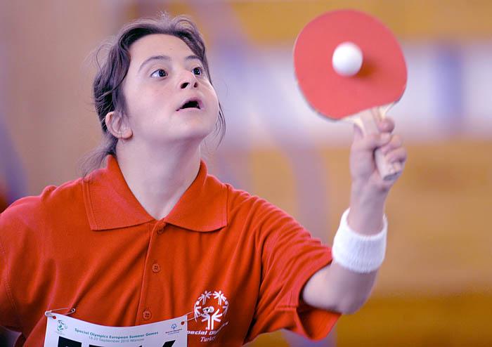 Tenis stołowy, konkurs na SGGW Arena w Warszawie, Letnnie Igrzyska Olimiad Specjalnych, 2010. Fot. © Adam Nurkiewicz / Mediasport. Wszelkie prawa zastrzeżone.
