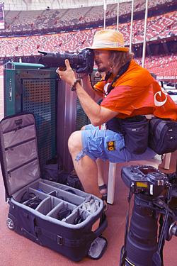 Adam Nurkiewicz - fotograf, wolny strzelec. Fotografuje sport na całym świecie dla magazynów, czasopism oraz korporacji. W 2001 roku stworzył Agencję Fotografii Sportowej MEDIASPORT (www.mediasport.pl).